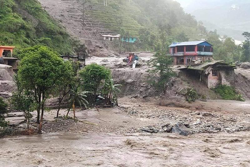 महाकाली नदीको वितण्डाः टापुमा फसेका ५ को अझै उद्धार हुन सकेन