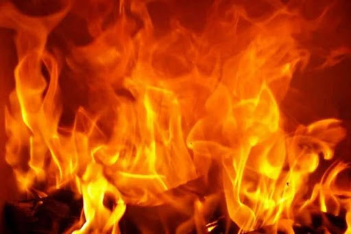 ताप्लेजुुङको दोभान बजारमा आगालागी हुँदा ३५ घर जले, आगलागी नियन्त्रणबाहिर