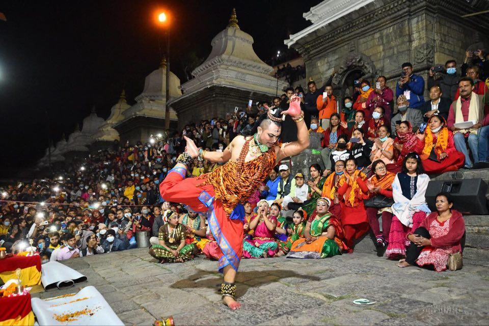 स्वामी विवेकानन्द सांस्कृतिक केन्द्रद्वारा भरत नाट्यम नृत्य प्रस्तुत