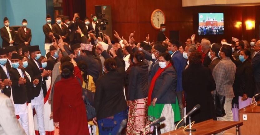नेकपाको प्रचण्ड–माधव समूहको बहिस्कार र कांग्रेसको अबरोधले संसद बैठक स्थगित