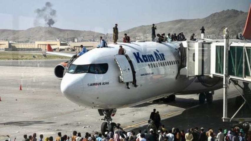 अफगानिस्तानको काबुल विमानस्थलबाहिर विस्फोट,कम्तिमा १३ जनाको मृत्यु