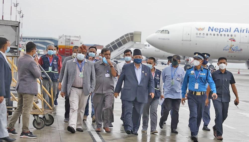 चीनबाट आयो ४४लाख डोज भेरोसेलः हिमाली १०सहित यी जिल्लामा लाईंदै खोप