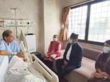 महासचिव वैद्यको स्वास्थ्य अवस्था बुझ्न प्रचण्ड अस्पतालमा